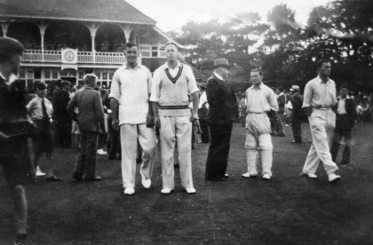 ALEC BEDSER NK WKTY KEEPER MCINTYRE AND JIM LAKER VIC REC 1949 2